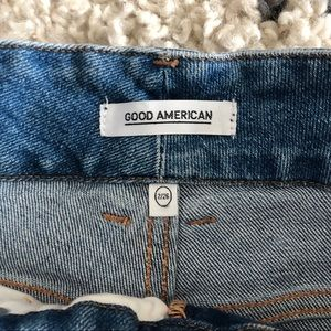 Good American Jeans - Good American Straight Twisted Seam Jeans 26